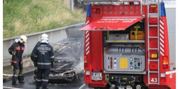 Mann aus brennendem Fahrzeug gerettet