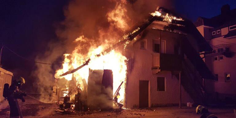 Pferde-Stall brannte mitten in Wohngebiet