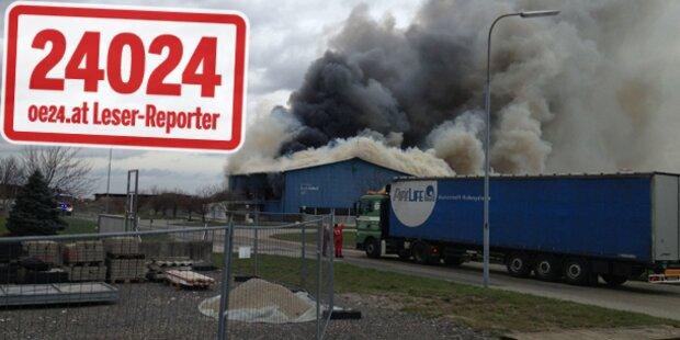 Feuerwehr und Cobra bekämpfen Brand