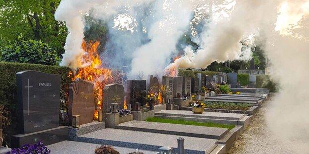 Friedhofs-Wärter beschützte Gräber vor den Flammen