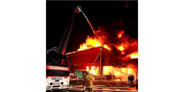 Großbrand bei Linz Textil