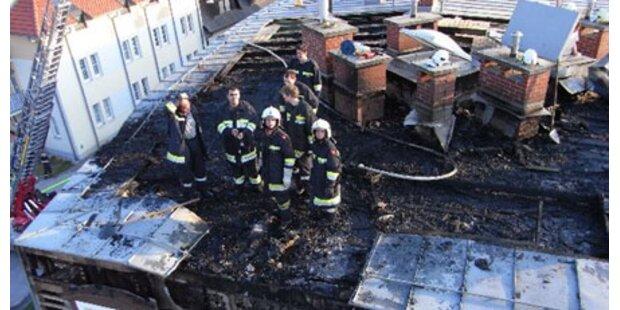 80 Feuerwehrleute kämpften gegen Flammen