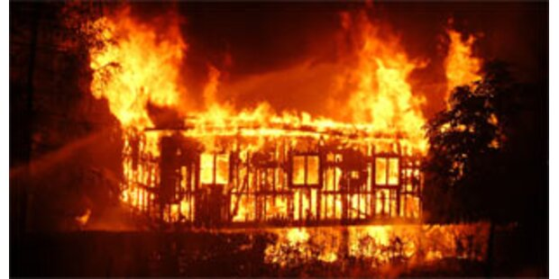 Bauernhof und Gasthaus total niedergebrannt