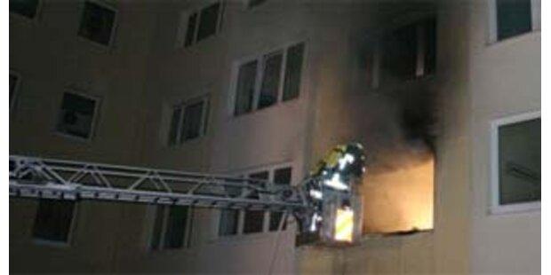 Fünf Verletzte bei Wohnungsbrand in Linz