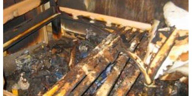 Familie entkommt veheerendem Brand