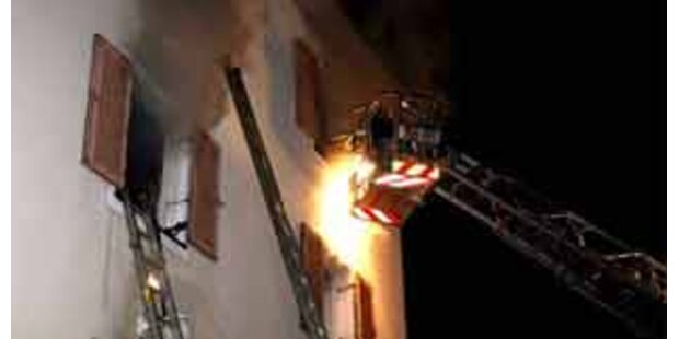 Pensionist bei Wohnhausbrand schwer verletzt