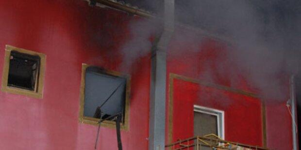 Bordell geht in Flammen auf