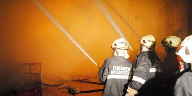 Heizkessel-Lager ging in Flammen auf