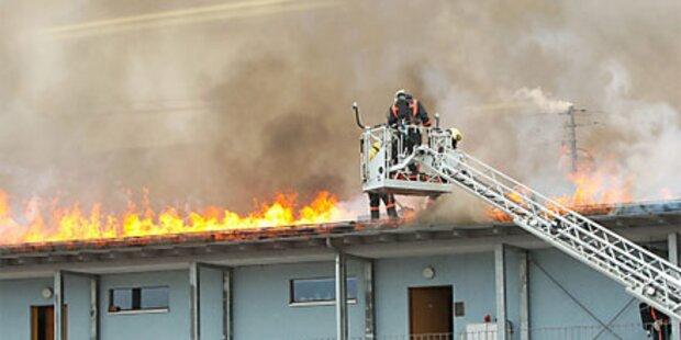 Großbrand in Mehrparteienhaus in Sbg