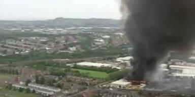 Lampion verursacht Großbrand in Fabrik