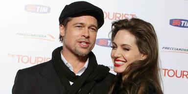 Angelina 'heiratet' Brad Pitt