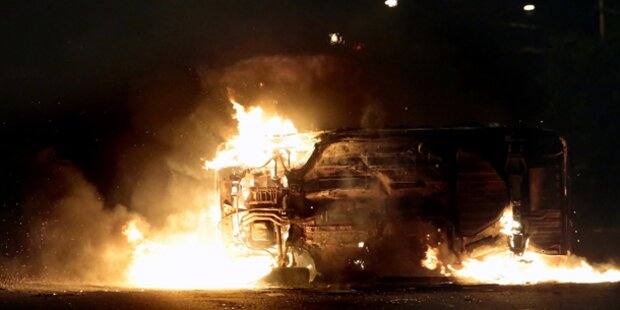 Polizei tötet Teenager: Heftige Proteste