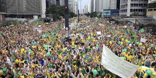 Brasilien: Druck auf Rousseff steigt