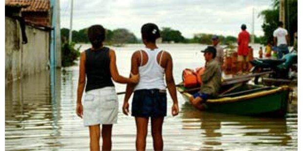 Unwetter-Katastrophe fordert hunderte Tote