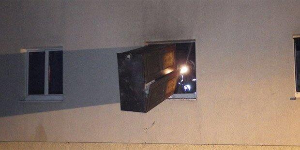 Wohnhaus in Flammen: 10 Verletzte