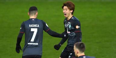 Bremen nach Kampfsieg im Halbfinale
