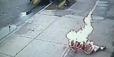 Schock-Video: Paar steckt sich in Brand