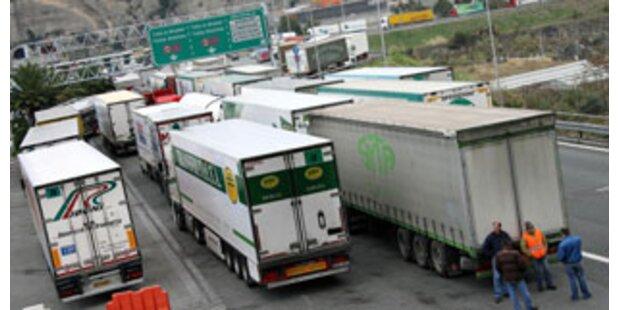 Brüssel entscheidet über LKW-Fahrverbot in Tirol