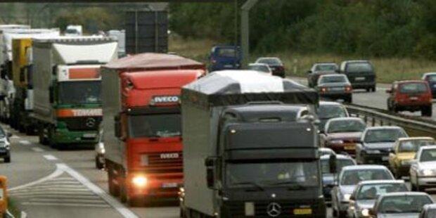 Tödlicher Reifenplatzer auf der Autobahn