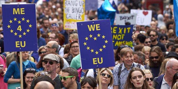Tausende Briten protestieren gegen Brexit