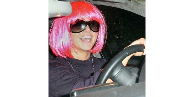 Britney hat schon wieder ein Auto gerammt!