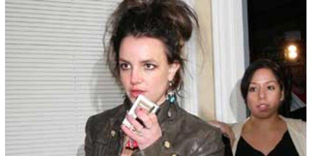 Kevin will Britneys Paparazzo abschieben lassen
