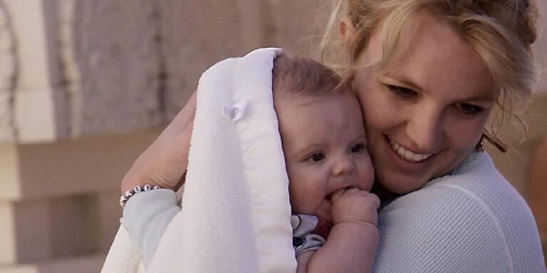 Britney mit Söhnchen Sean Preston. (c) Photo Press Service, www.photopress.at