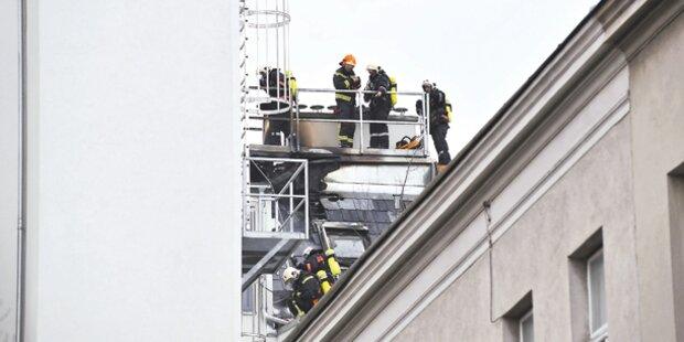 Feuer am Dach von Standard-Boss Bronner