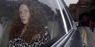 Rebekah Brooks gegen Kaution frei