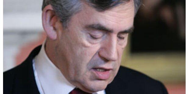 Britischer Premier Brown gesteht Niederlage ein