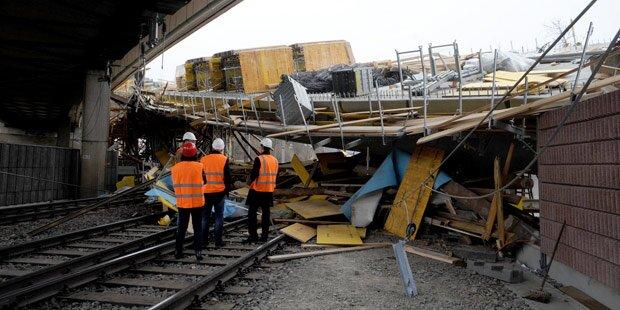 Brückeneinsturz: Züge sollen ab Dienstag fahren