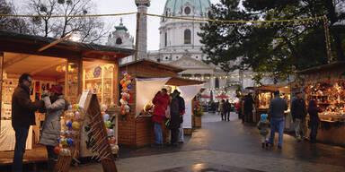 Wiener stürmen die Adventmärkte