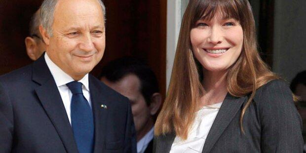 Carla Bruni: Affäre mit Außenminister?
