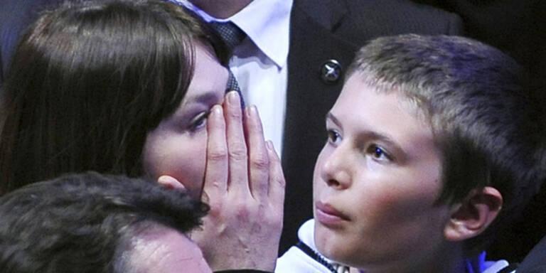 Carla Bruni bricht in Tränen aus