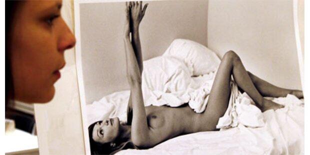 Nacktfoto von Carla Bruni versteigert
