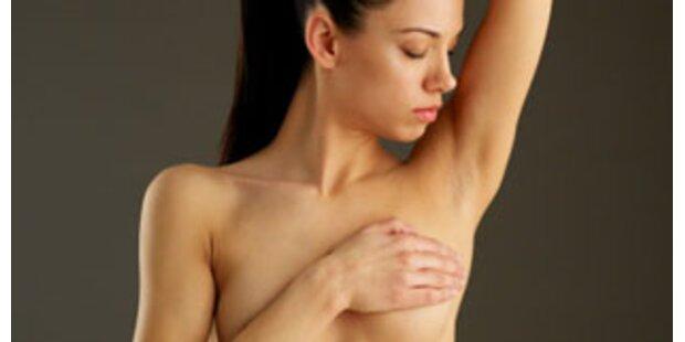 Ärzte nehmen Frau gesunde Brust ab