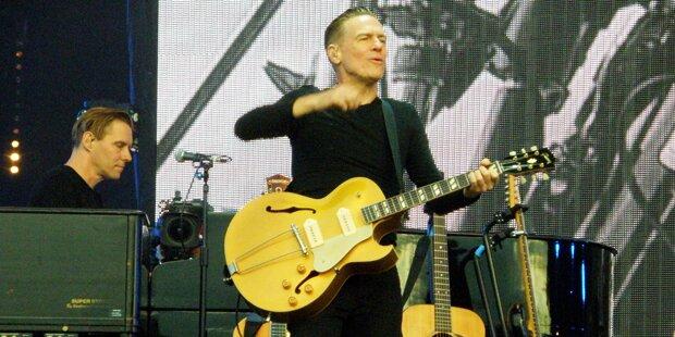 Bryan Adams' Gitarre von Zollbeamten verschandelt