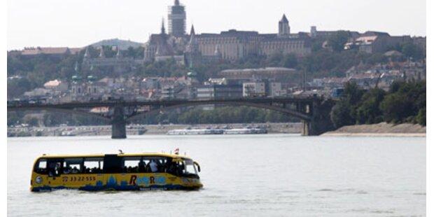 Budapest im Schwimmbus