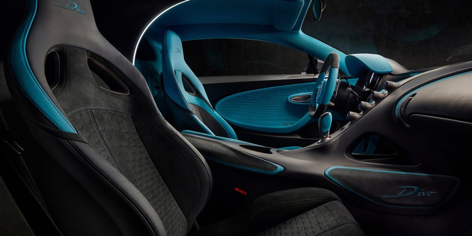 bugatti-divo-960-off4.jpg