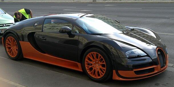 bugatti veyron super sport schnellstes auto der welt in wien entdeckt. Black Bedroom Furniture Sets. Home Design Ideas