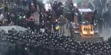 Gewaltätige Proteste in der Ukraine eskalieren