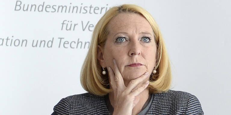 Attacken gegen Kern: Bures greift ÖVP an