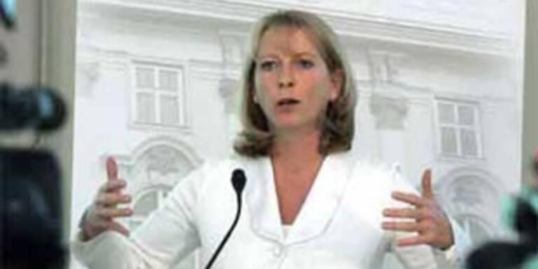 Frauenministerin Doris Bures