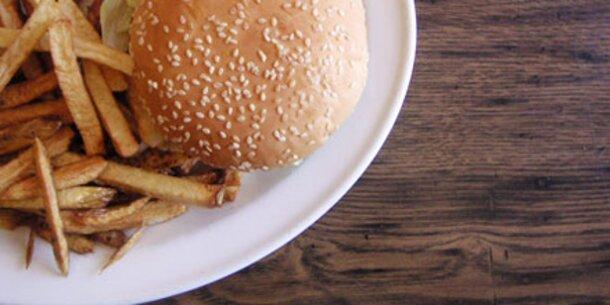 Zu viel Fast Food kann Asthma auslösen