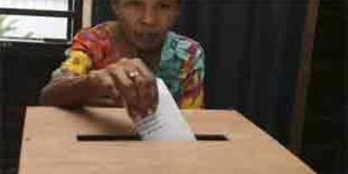 Burma verkündet vollen Erfolg des Referendums