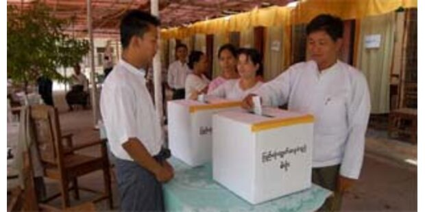 92,4 Prozent für neue Burmaverfassung