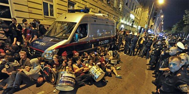 Demonstranten wollen Abschiebung stoppen