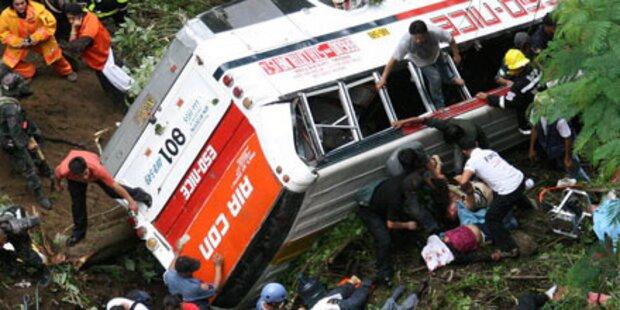 Philippinen: 41 Tote bei Busunglück