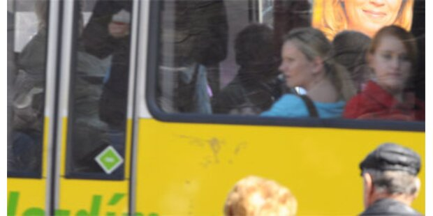 Getrennte Busse für In- und Ausländer