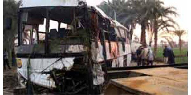 Mindestens 57 Tote bei Busunglück in Ägypten